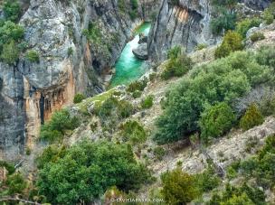 El Zumeta encajonado, horadando el cañón.