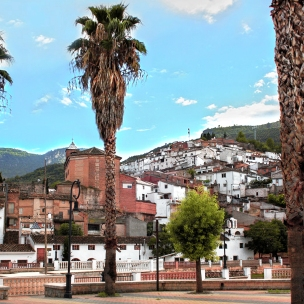 Vista del barrio antiguo desde el Paseo del Río